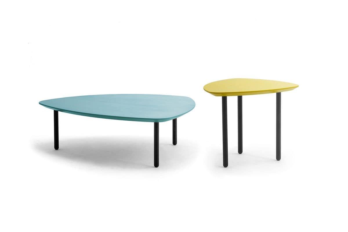 Tavolino dalla forma triangolare con angoli arrotondati for Tavolini design salotto