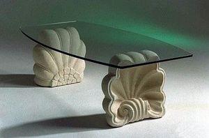 Sedna, Tavolino in pietra con base a conchiglia