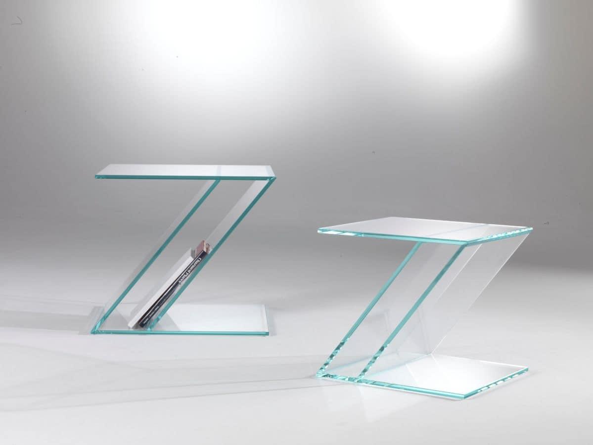 Tavolino in vetro a forma di zeta con portariviste for Tavolini arredo