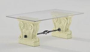 Valmarana, Tavolino in pietra e vetro