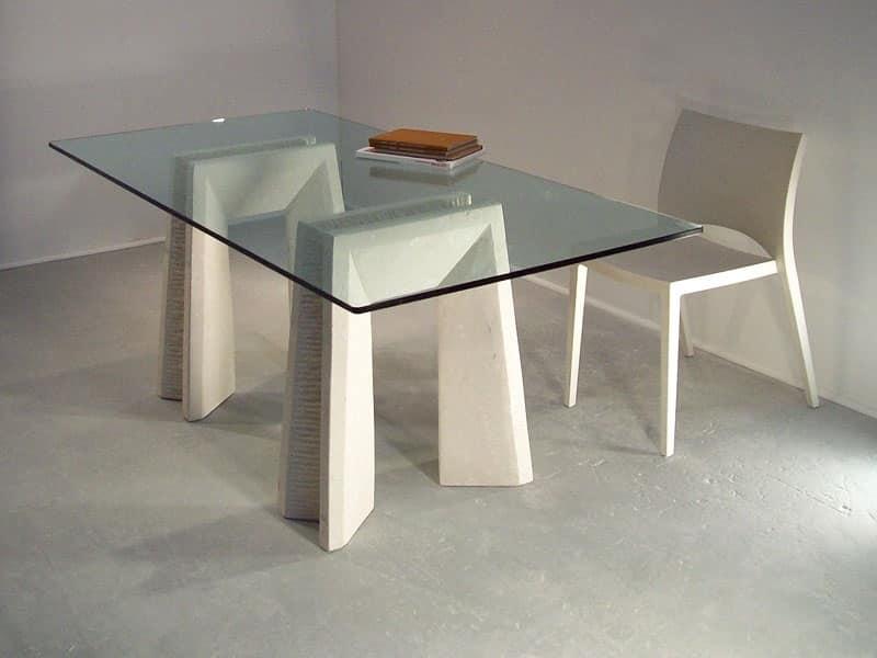 Tavoli da pranzo con piano in vetro e gambe in pietra for Tavoli in cristallo