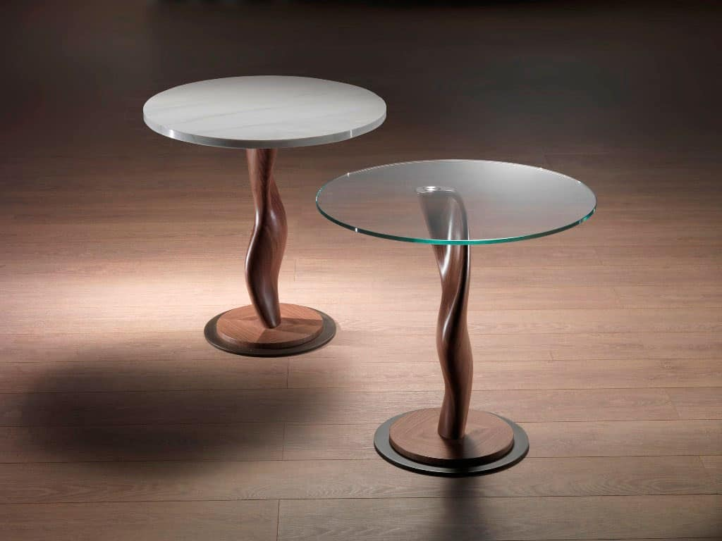 Tavolino in legno massello con piano in cristallo per for Tavolini vetro