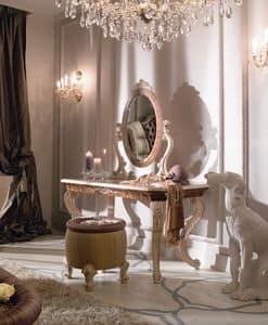 Immagine di 7612 7605A, toilettes-classiche-in-legno-decorato