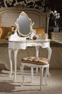 Art. 366/L, Toilettes classiche, in legno decorato foglia oro