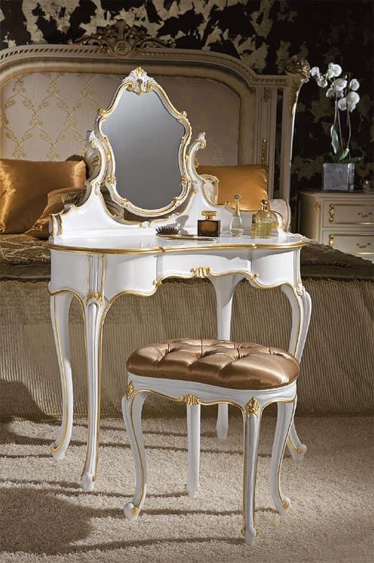 Toilettes Classiche In Legno Decorato Foglia Oro Idfdesign