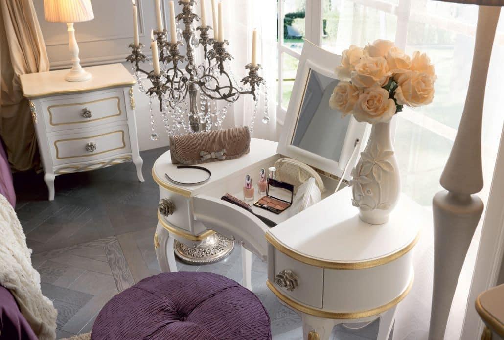 Toilette in stile classico in legno decorato a mano con specchiera estraibile idfdesign - Mobile toilette trucco ...