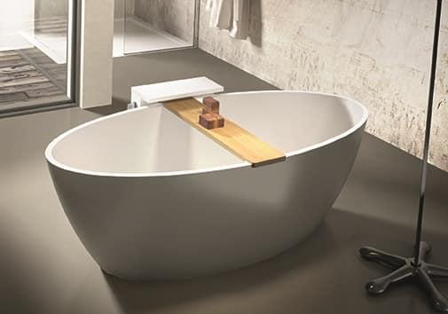Vasca da bagno con porta accessori idfdesign - Accessori per vasca da bagno ...