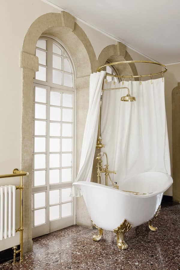 Vasca da bagno con piedi, disponibile in varie finiture ...
