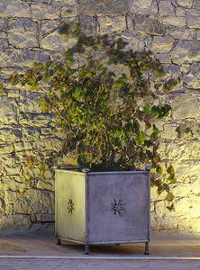 MONASTERO GF4019VA, Vaso da giardino, in ferro decorato