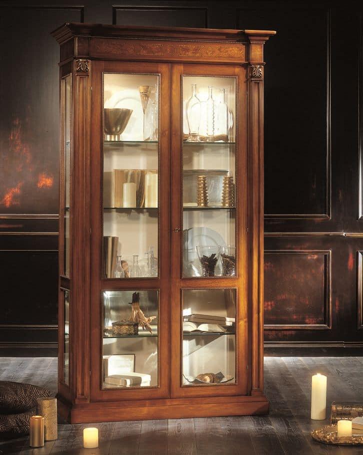 Vetrina 2 porte impiallacciata di noce e frassino per - Sale da pranzo stile classico ...
