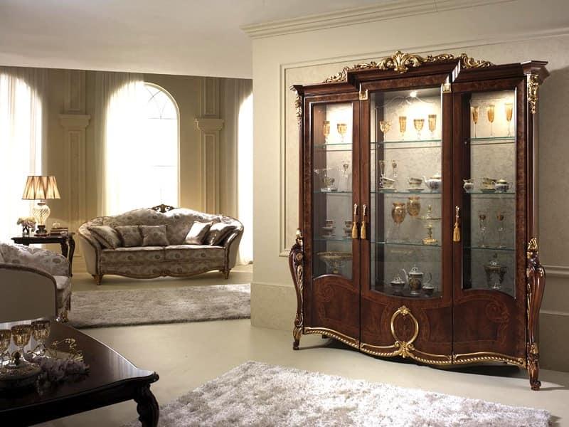 Vetrina con eleganti decorazioni, dal classico gusto ...