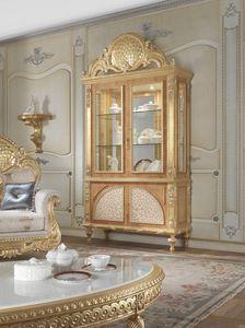 Lariana vetrina, Vetrina stile classico con intarsi in madreperla