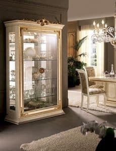 Leonardo vetrina, Vetrine con cimasa in foglia oro, ante in vetro