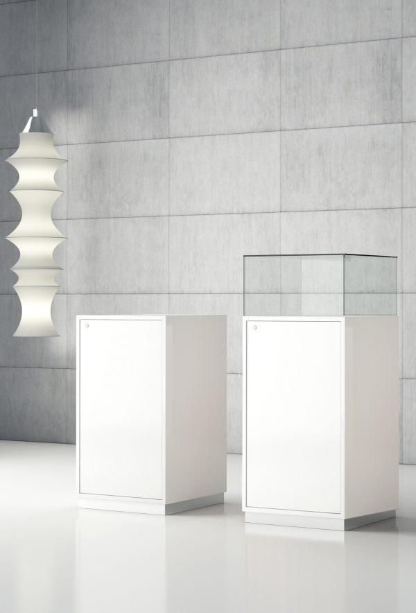 Quadratum Q/50A, Bacheca in vetro con vano contenitore, espositore, per gioielleria