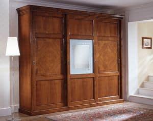 D 708, Armadio classico con vetro centrale decorato