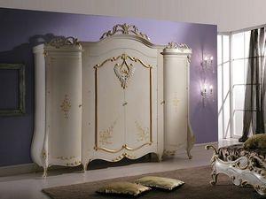 Isabel armadio, Armadio con decorazioni in stile classico
