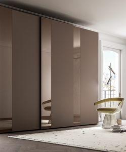 PARIGINO, Armadio con fascia decorativa in vetro