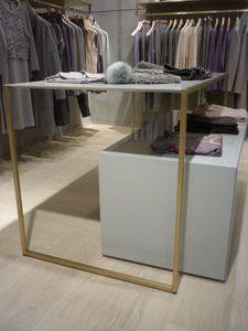 Espositori per negozi abbigliamento in ottone, Elementi espositori per negozi