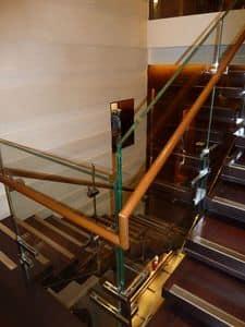 Scala inox lucido, Scala monumentale per showroom, costruzione ed installazione