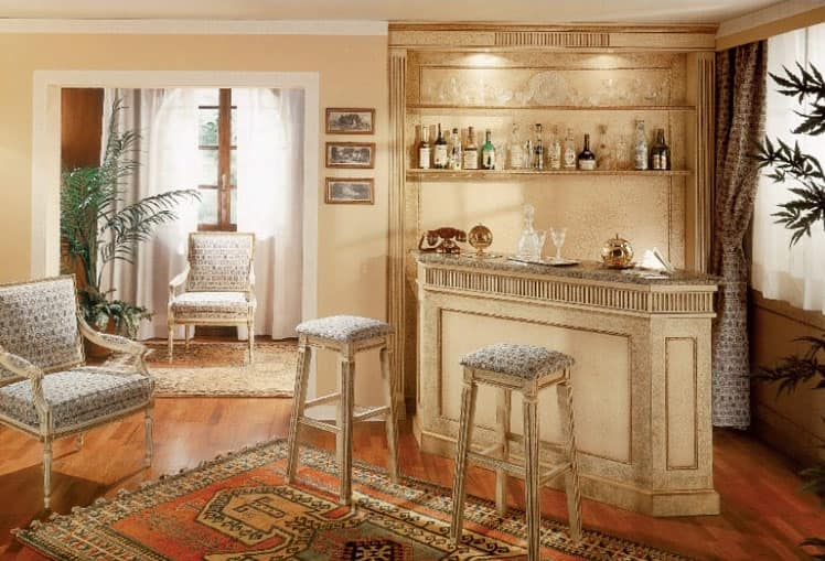 Collezione Ginevra, Arredamento su misura per angolo bar, boiserie laccata craquelé