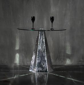 Blade Runner Zinc, Base tavolo dalla forma esagonale