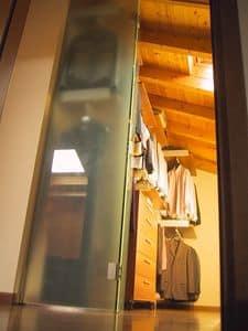 Cabina armadio per mansarda 02, Cabina armadio con ante scorrevoli in vetro, per mansarda