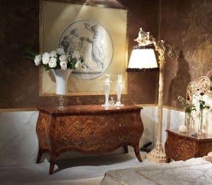 Art. 351, Com� in stile classico, in legno decorato a mano