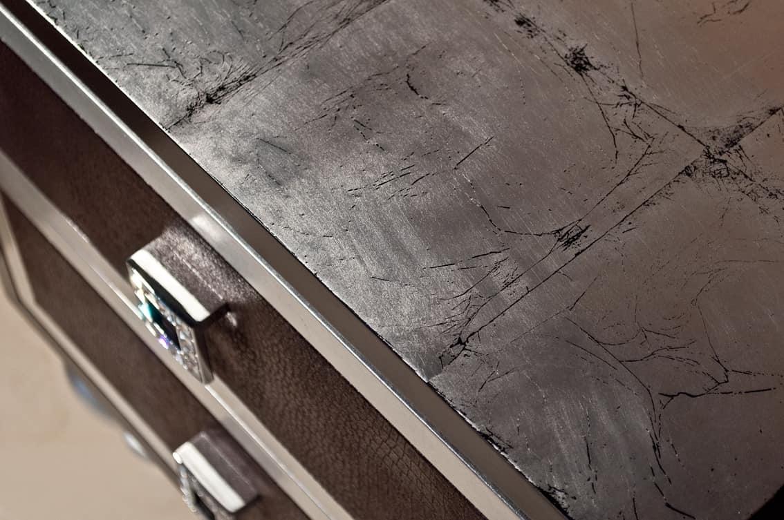 Art. 2238 Roxanne, Comodino con cassetti in ecopelle e Swarovski