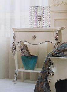 Art. 33 CO, Comodino classico, decorato artigianalmente