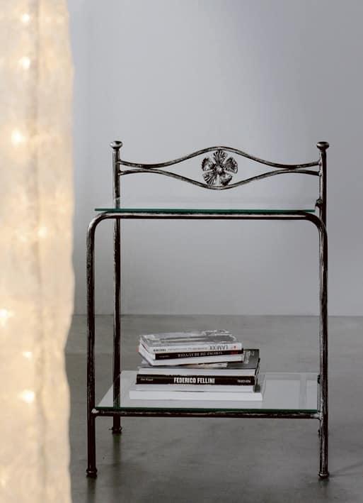Comodino Albatros, Comodino in metallo con ripiani in vetro, decoro floreale