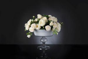 Camilla Roses, Composizione di rose bianche