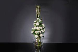 Eternity Penelope Column Roses, Composizione floreale su vaso in vetro
