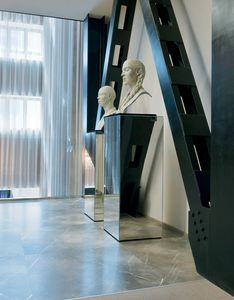 Qube 315, Colonna decorativa a specchio