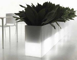 Kado, Vasi in polietilene, anche per esterno