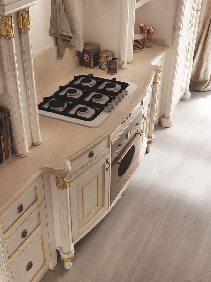 Cucina Realizzata Completamente In Legno Piano In Marmo Idfdesign