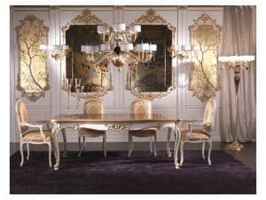 Boiserie, Parete in legno in stile classico di lusso, decorata a mano