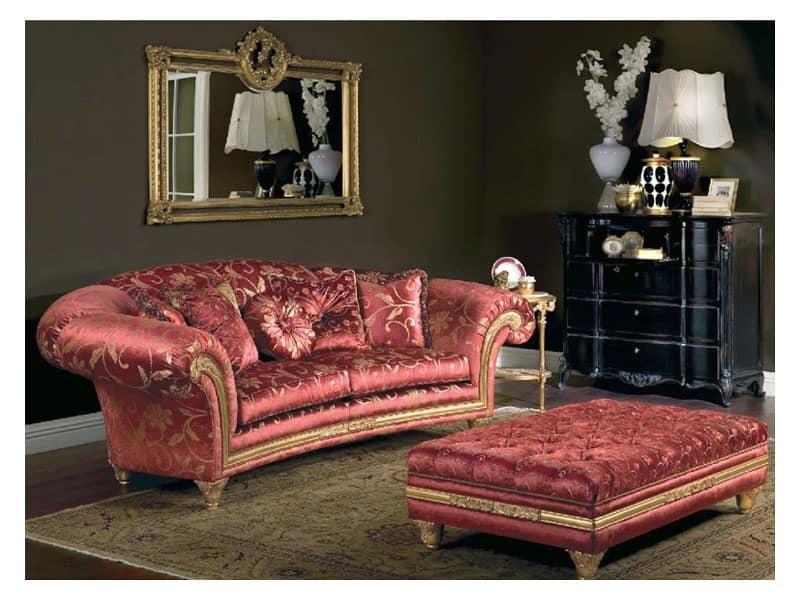 Art. PA 53 Palace, Imponente divano dalla linea sinuosa, impreziosito con delicati intagli a mano