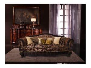 Cristina, Divano di lusso rivestito in seta, realizzato a mano