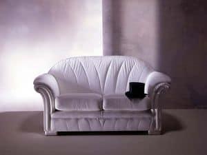 Forma Divano, Divano classico, in pelle bianca, per salotti di lusso
