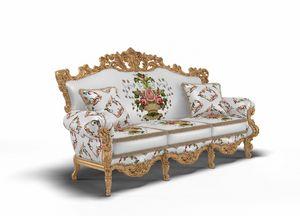 Luxor divano, Divano riccamente intagliato