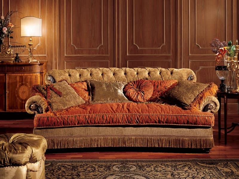 Nathalia divano, Divano con schienale capitonnè, stile classico