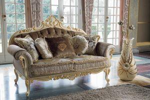 Opera divano, Divani con struttura intagliata