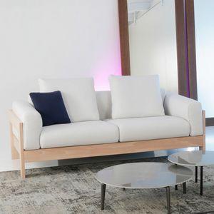 Kuba Lux, Divano in legno dal design minimale