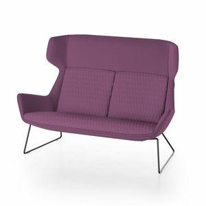 Magenta sofa, Divanetto con schienale alto