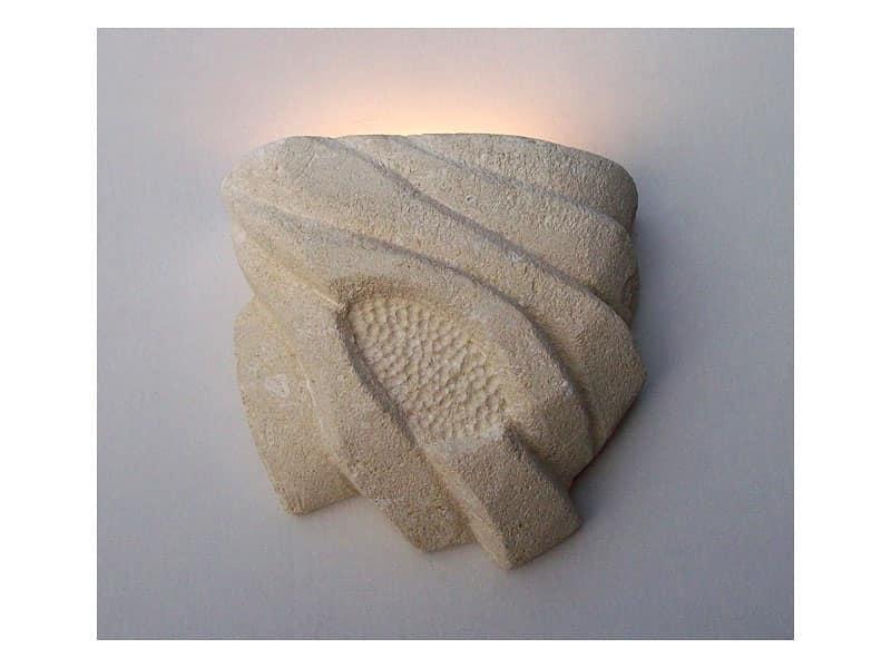 Nebio, Lampada a parete, realizzata in pietra decorata