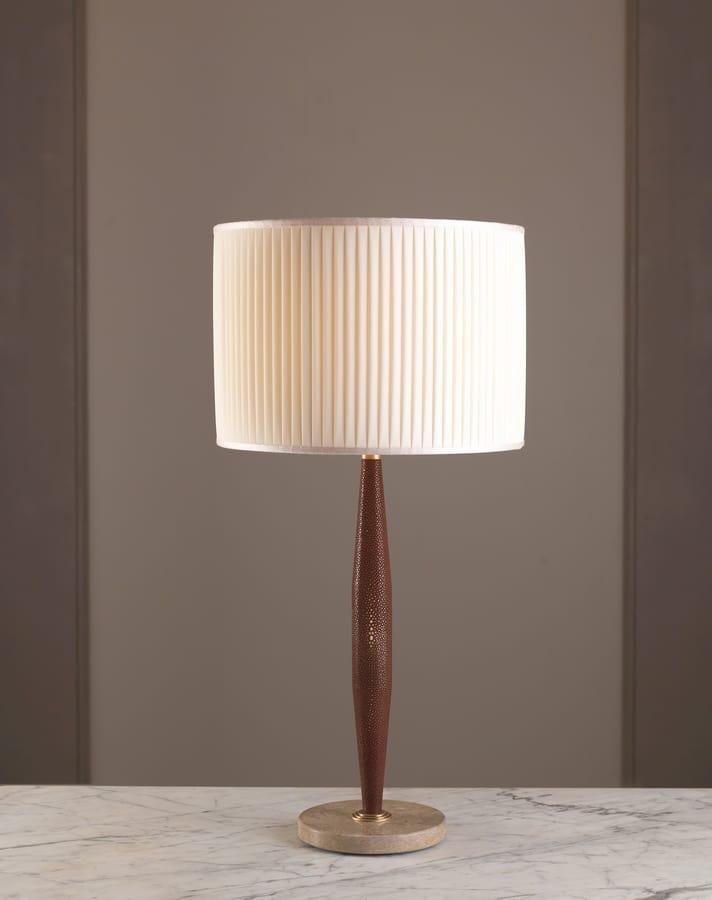 Lampada Da Tavolo Con Fusto In Pelle Idfdesign