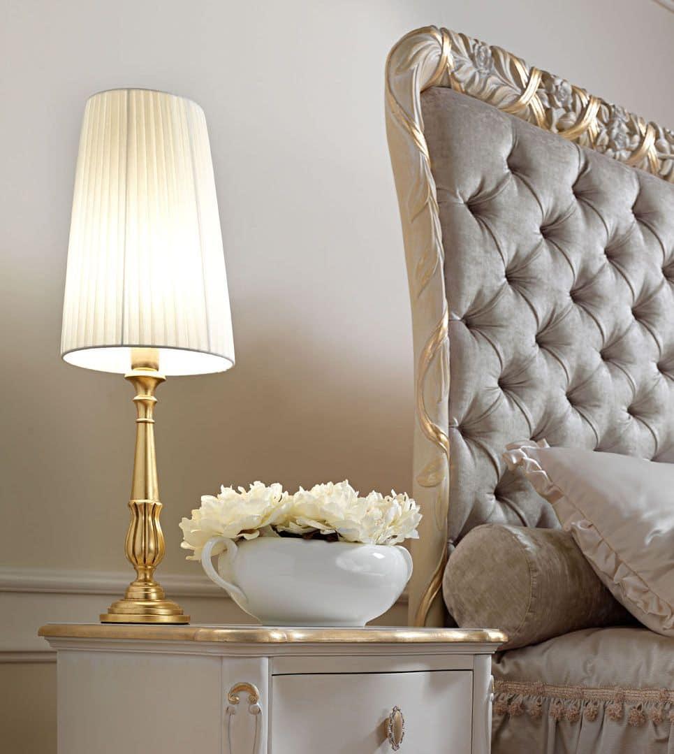 Lampada da tavolo, con finitura foglia oro, adatta per l'arredamento classico  IDFdesign