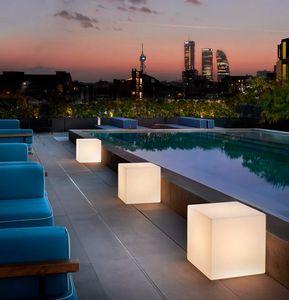 Lampada da terra tavolo design moderno contemporaneo Slide Cubo LA CUB, Lampada a forma di cubo