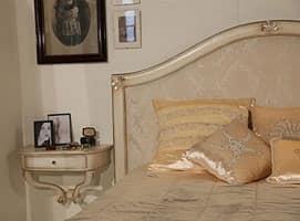 Art. 2010 Delyse, Letto in legno con testiera decorata, per camera classica