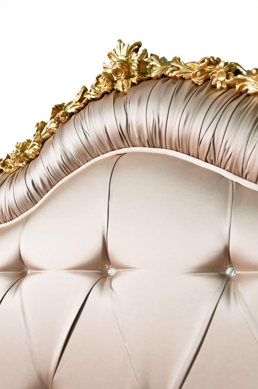 Art. 2430 Marie, Elegante letto classico, imbottitura capitonné con Swarovski, intagli in foglia oro